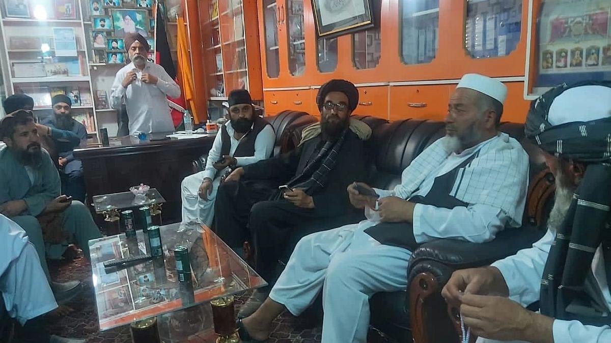 Taliban Meets Afghan Hindus, Sikhs Sheltered at Kabul Gurudwara, Assures Safety