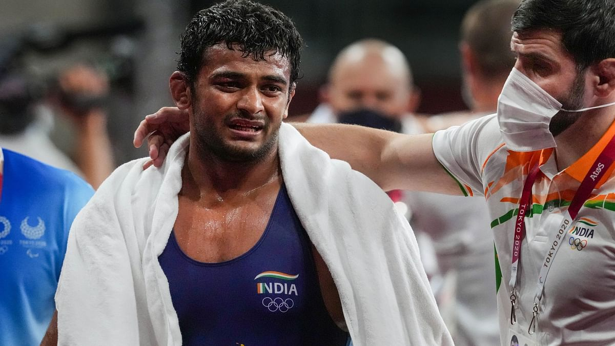 Wrestler Deepak Punia's Coach's Misbehaves With Referee,Told to Leave Tokyo