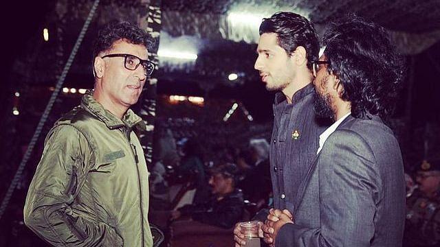 """<div class=""""paragraphs""""><p>Sidharth Malhotra, who plays Captain Vikram Batra in&nbsp;<em>Shershaah, </em>with Vikram's twin brother Vishal Batra</p></div>"""