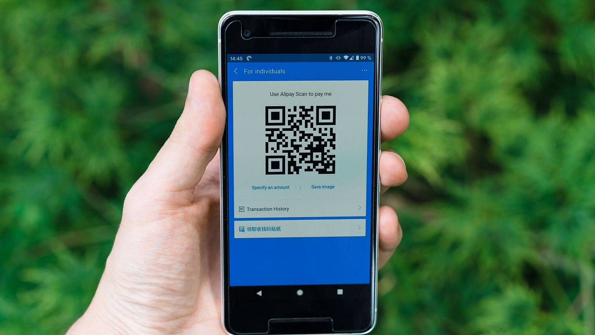 """<div class=""""paragraphs""""><p>The use of QR code in restaurants and bars have became popular because of the Covid-19 safety guidance.</p></div>"""