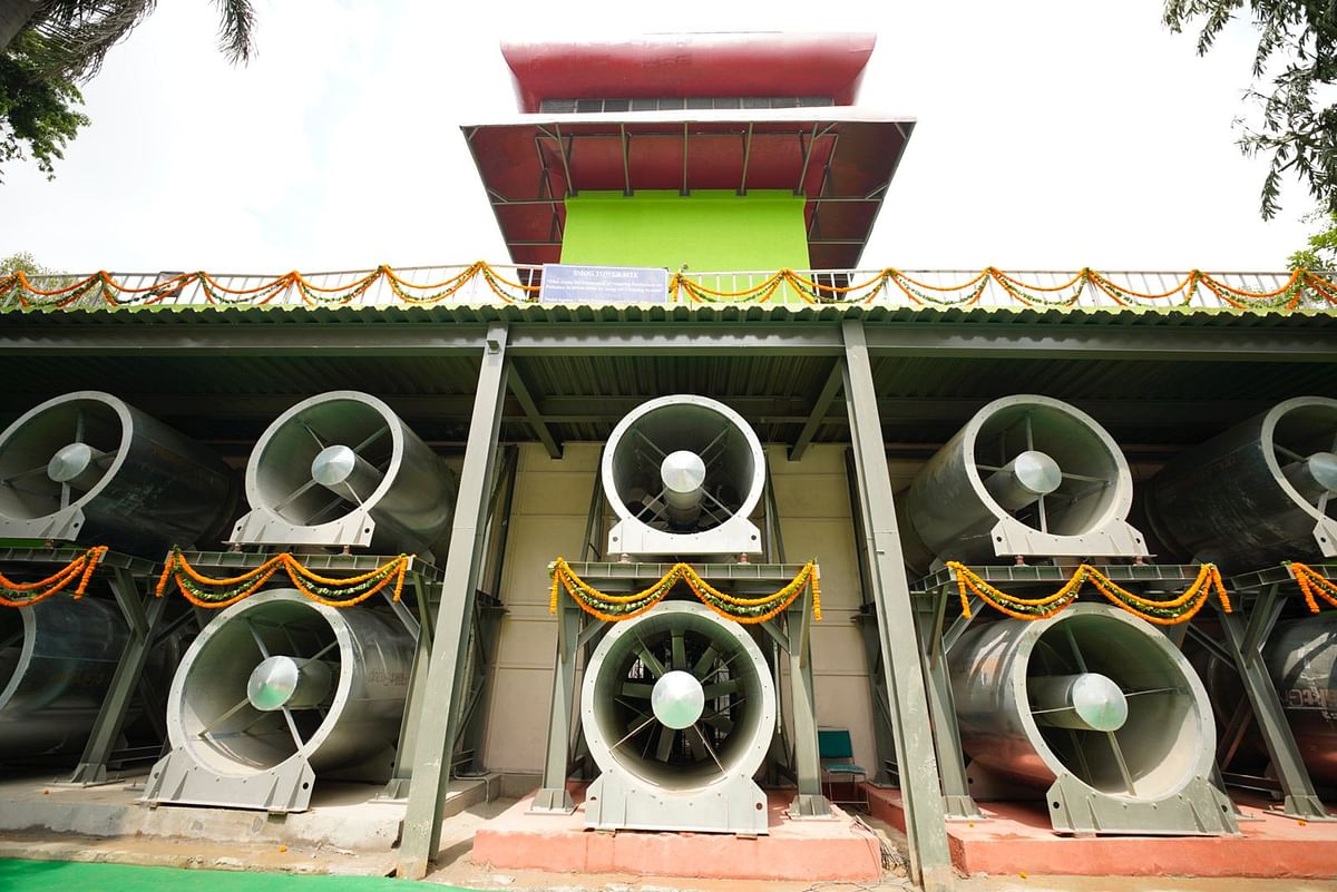 Delhi CM Kejriwal Inaugurates 1st Smog Tower of India at Connaught Place
