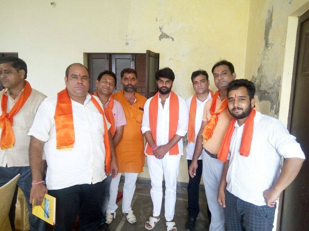 """<div class=""""paragraphs""""><p>He has two profiles on Facebook. In one one of them he has tagged the Bhagwadhari Yodha Sangh and shared videos of Ashwini Upadhyay.</p></div>"""