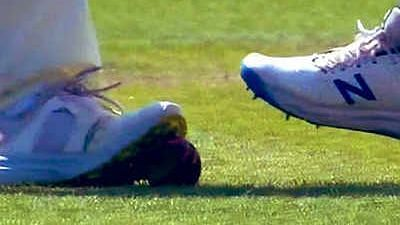 """<div class=""""paragraphs""""><p>An England player was seen trapping the red Dukes ball with his spikes during Day Four of the second Test match between India and England at Lord's.</p></div>"""