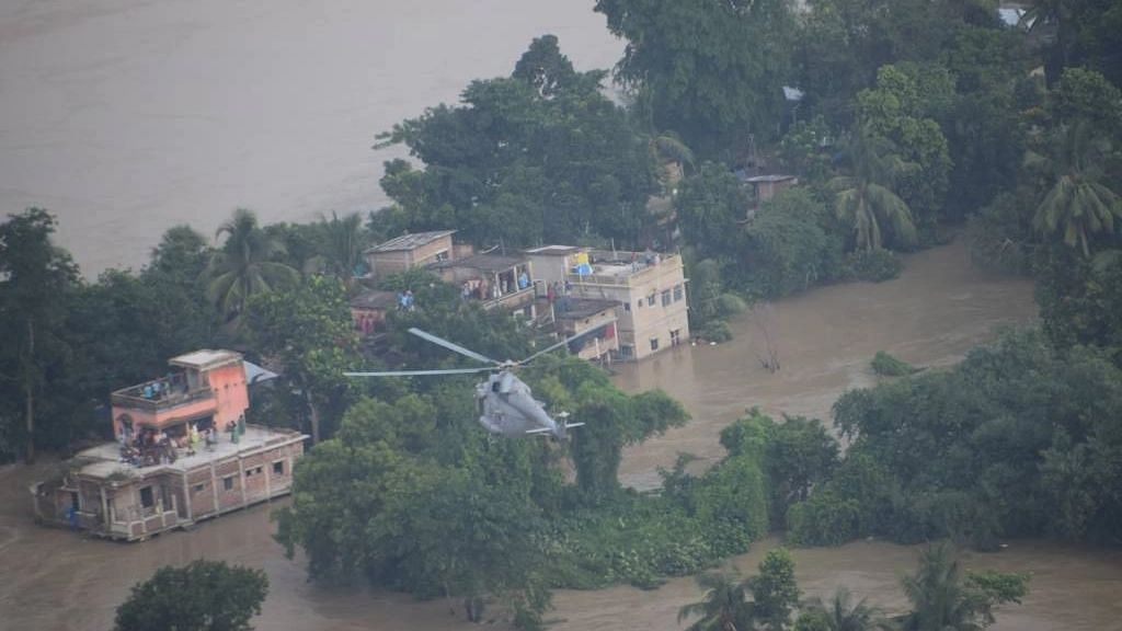 15 Dead in Bengal Floods, PM Modi Assures CM Banerjee of Support