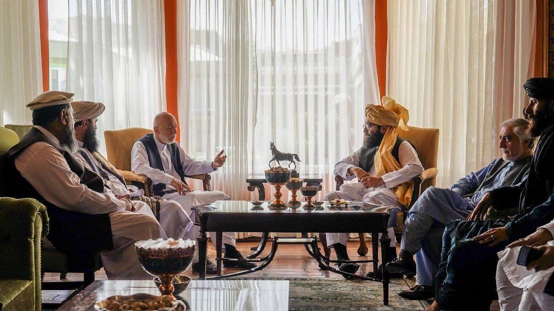 """<div class=""""paragraphs""""><p>Anas Haqqani, a <a href=""""https://www.thequint.com/news/world/taliban-press-conference-media-after-takeover-of-afghanistan#read-more"""">Taliban</a> commander and senior leader of of the insurgent group Haqqani network, on Wednesday, 18 August, met former Afghan President Hamid Karzai, news agency Reuters reported, citing Taliban sources.</p></div>"""