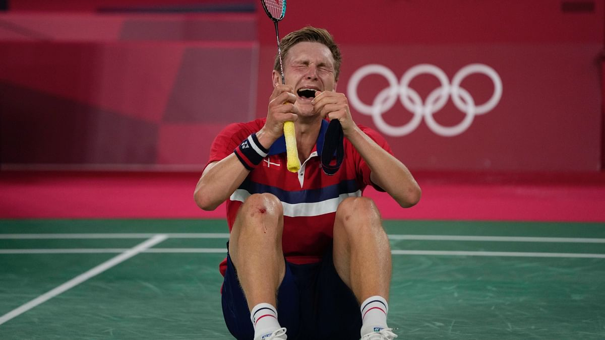 """<div class=""""paragraphs""""><p>Viktor Axelsen won his second consecutive Olympic medal. He won the bronze medal in 2016 Rio Olympics</p></div>"""