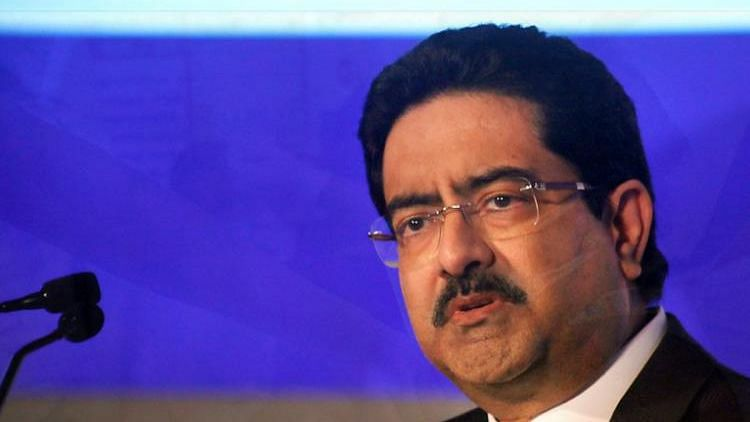 """<div class=""""paragraphs""""><p>Kumar Mangalam Birla has said that he is ready to hand over his stake in Vodafone-Idea to any government entity.</p></div>"""