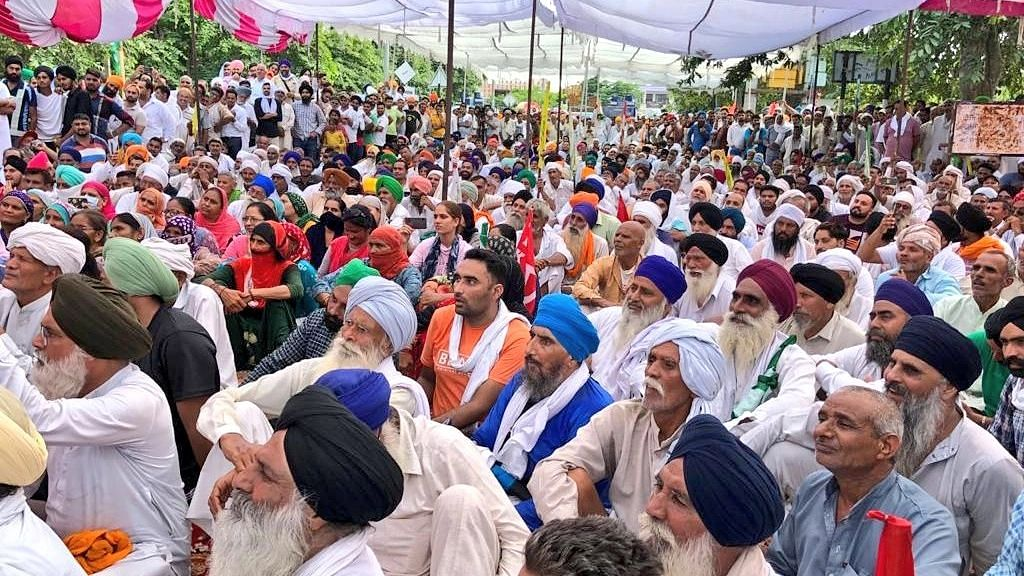Third Day of Mobile Internet Suspension in Karnal as Farmers' Protest Continues