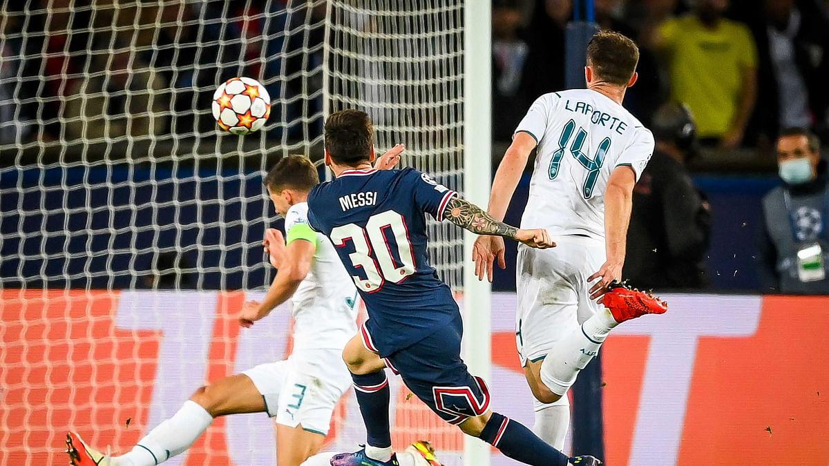 """<div class=""""paragraphs""""><p>Lionel Messi scores against Man City in the Champions League</p></div>"""