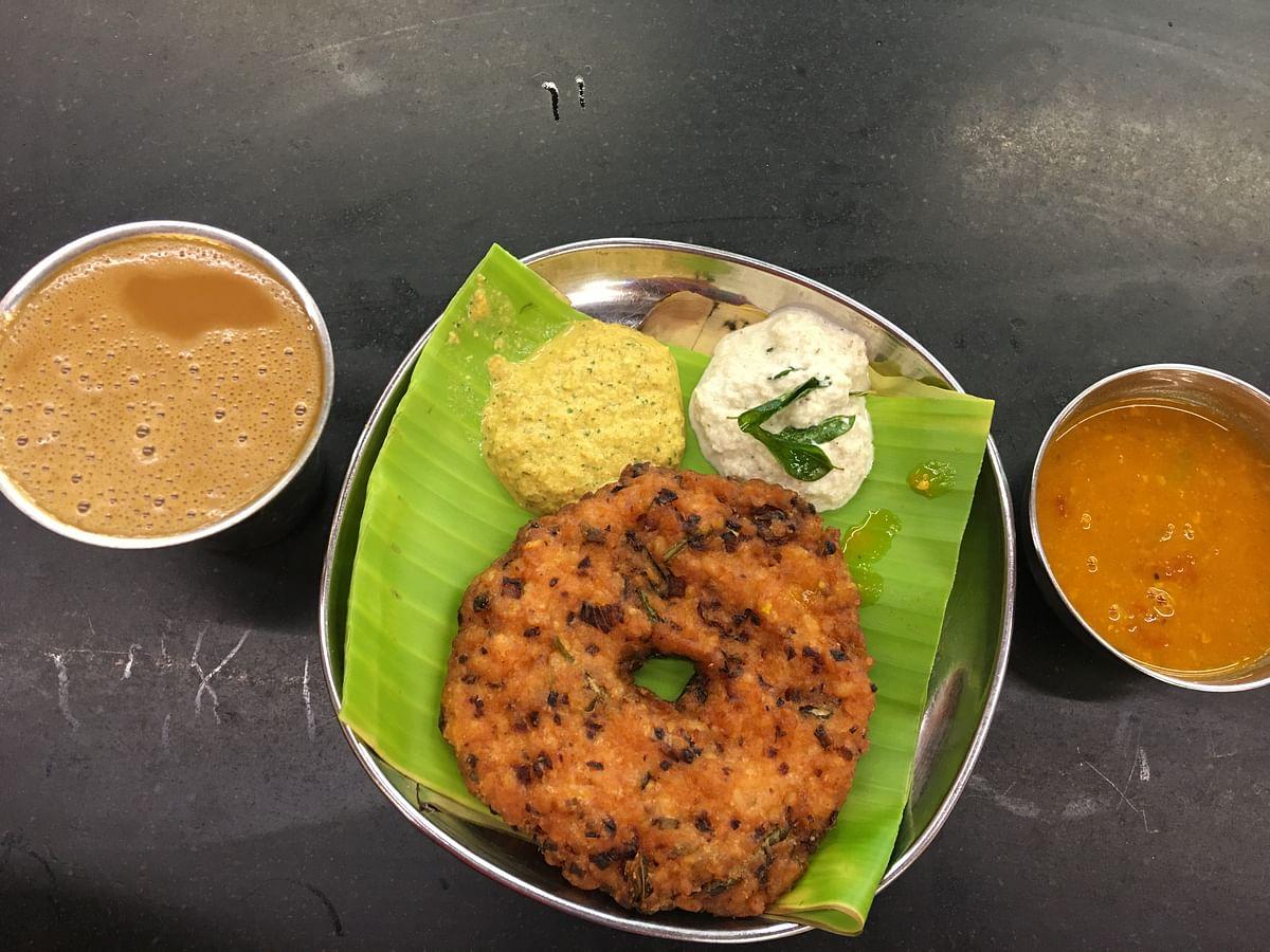 "<div class=""paragraphs""><p>Vishranthi offers breakfast at affordable prices.</p></div>"