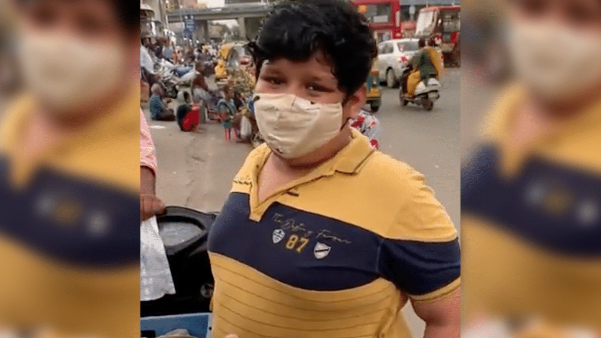 14-Year-Old Sells Dahi Kachori To Support His Family, Netizens Lend Helping Hand