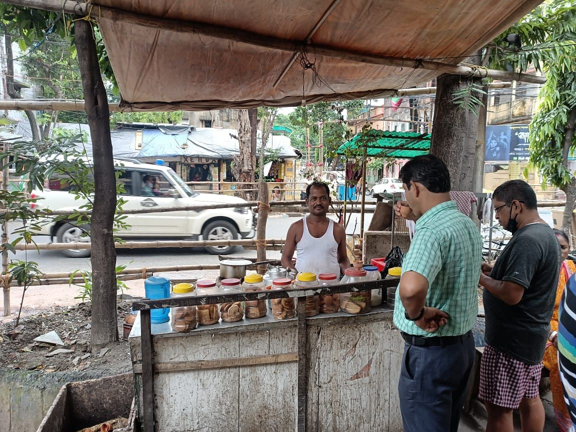 """<div class=""""paragraphs""""><p>Govind Prasad, a tea stall owner and a resident of Bhabanipur, is a second-generation Bihari settled in Kolkata.</p></div>"""