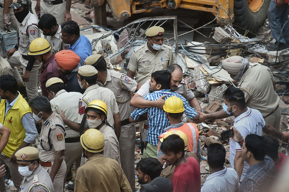 """<div class=""""paragraphs""""><p>Rescue Operation Underway after a building collapsed at Sabji Mandi area in New Delhi on Monday.</p></div>"""