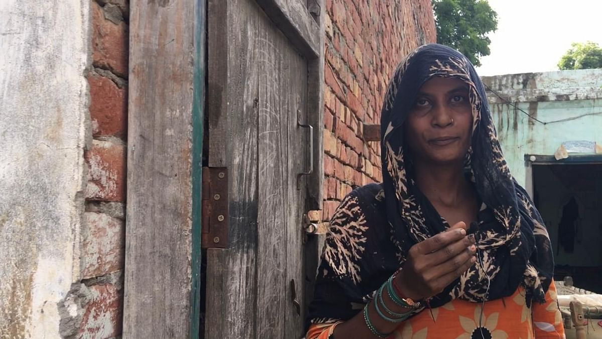 """<div class=""""paragraphs""""><p>Rachna, who lives in the same lane, says that no one came to her house to ask questions.</p></div>"""