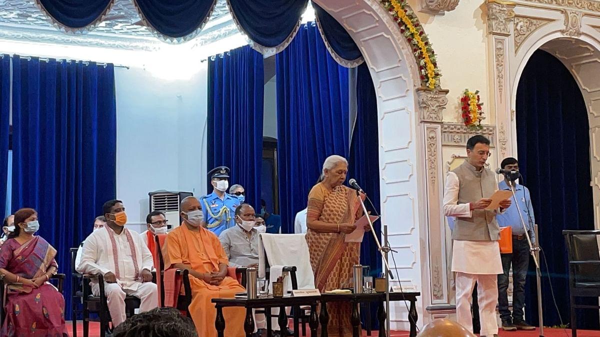 "<div class=""paragraphs""><p>Jitin Prasada takes oath as cabinet minister in presence of UP CM Yogi Adityanath.&nbsp;</p></div>"