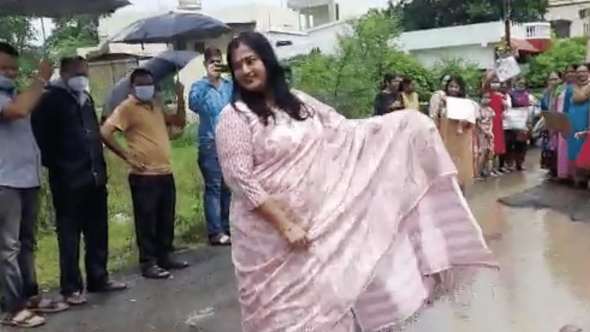 Watch: Bhopal Women Catwalk To Draw Govt's Attention Towards Potholes