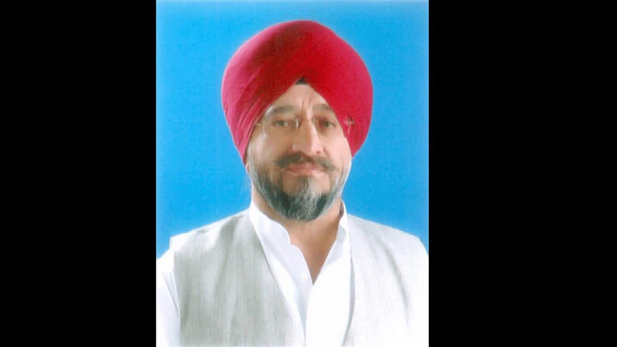 "<div class=""paragraphs""><p>Jammu and Kashmir MLA Trilochan Singh Wazir was found dead in a flat in West Delhi's Basai Darapur area on Thursday, 9 September.</p></div>"