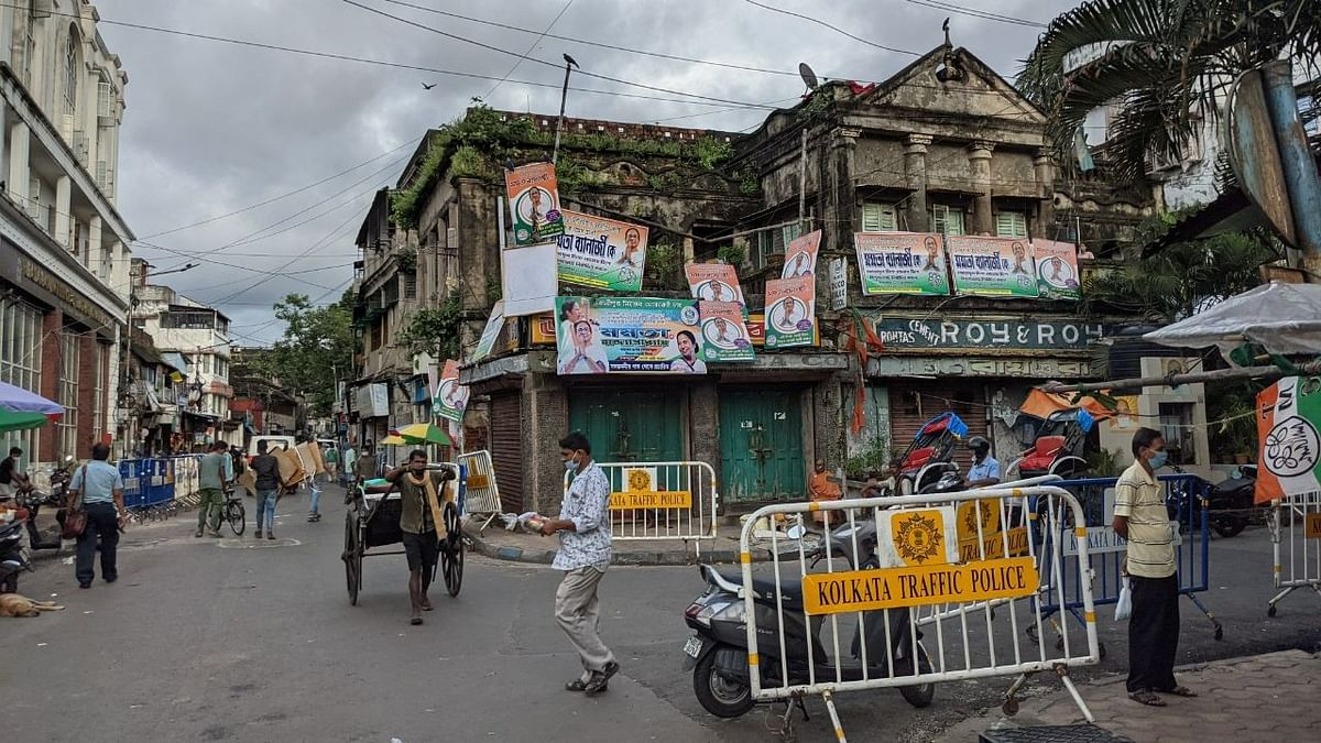 Despite BJP's Buzz, Scales in Bhabanipur Overwhelmingly Tilted Towards Mamata