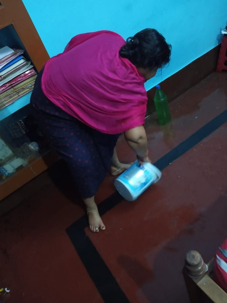 """<div class=""""paragraphs""""><p>Water from dirty drains in the houses of residents.</p></div>"""