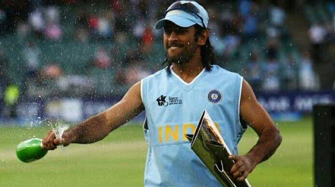 "<div class=""paragraphs""><p>MS Dhoni after winning<em> the 2007 T20 World Cup.&nbsp;</em></p></div>"
