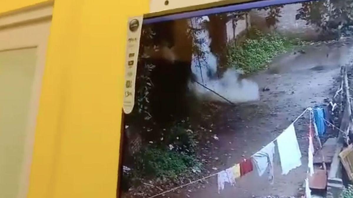 "<div class=""paragraphs""><p>According to police officials, bombs exploded close to Bharatiya Janata Party MP Arjun Singh's residence at Bhatpara in North 24 Parganas district near Kolkata, on Tuesday.</p></div>"