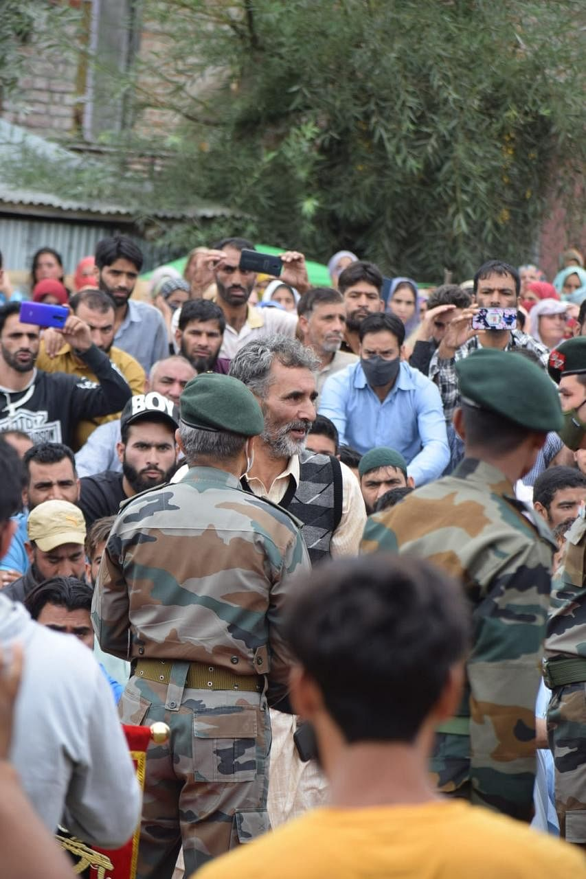 He Won't Be Called a Militant Now: Kashmiri Man Finds Son's Body After a Year