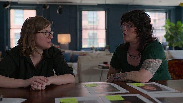 "<div class=""paragraphs""><p>filmmaker Erin Lee Carr and&nbsp;journalist Jenny Eliscu.</p></div>"