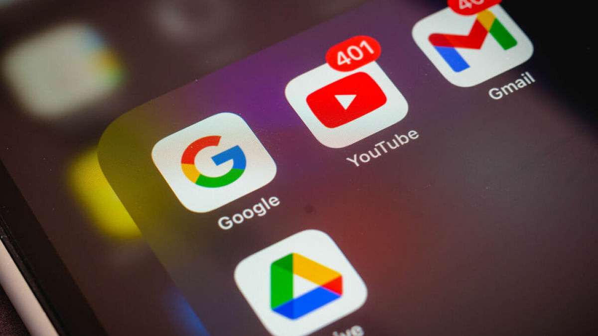 """<div class=""""paragraphs""""><p>Two antitrust research associates and a law student filed a complaint in 2019, that led to a probe by the regulator into Google's practices.</p></div>"""