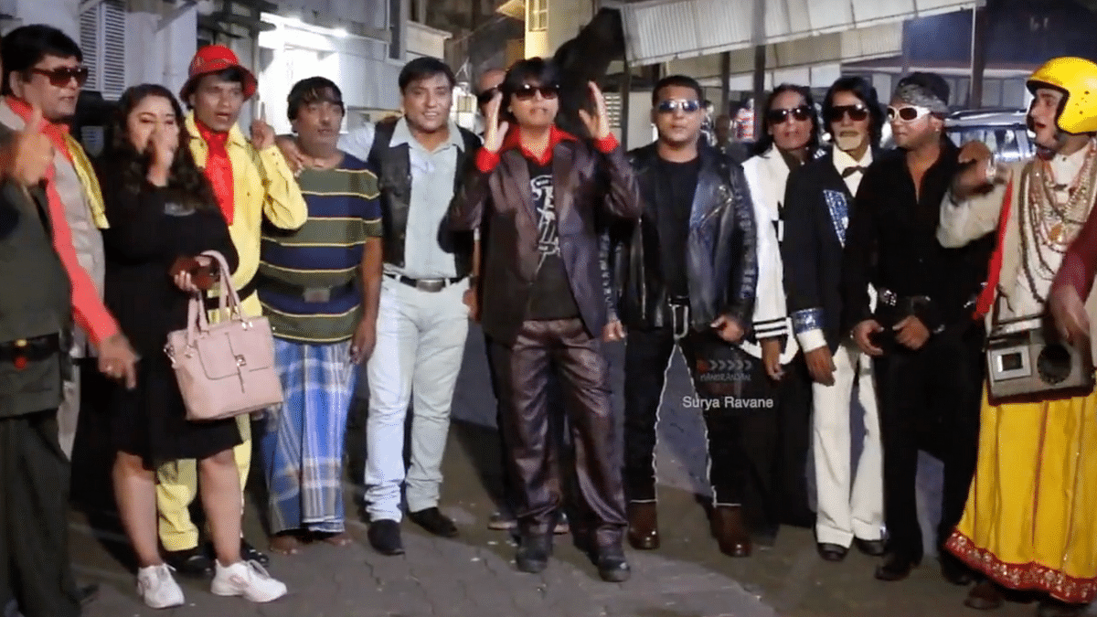 Watch: Bollywood Actors' Lookalikes Show Support for Shah Rukh Khan