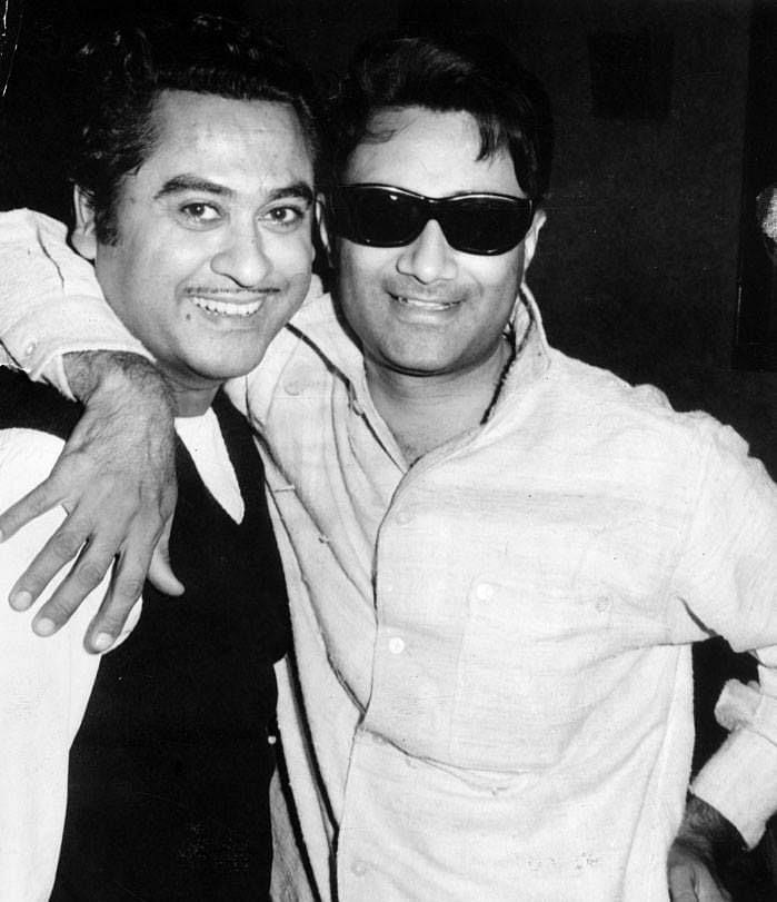"<div class=""paragraphs""><p>Kishore Kumar with Dev Anand.</p></div>"