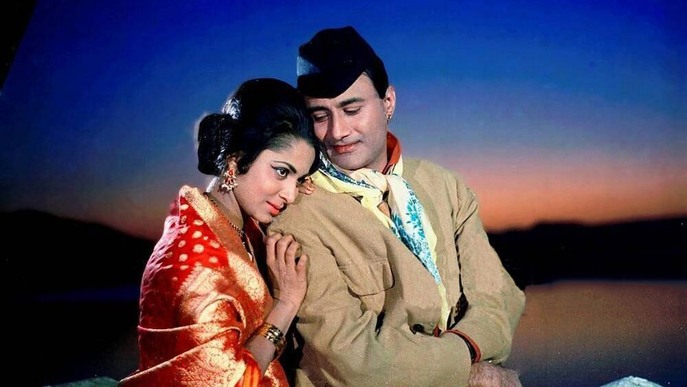 Waheeda Rehman Reveals Why She Called Guide Co-Star Dev Anand a 'Decent Flirt'