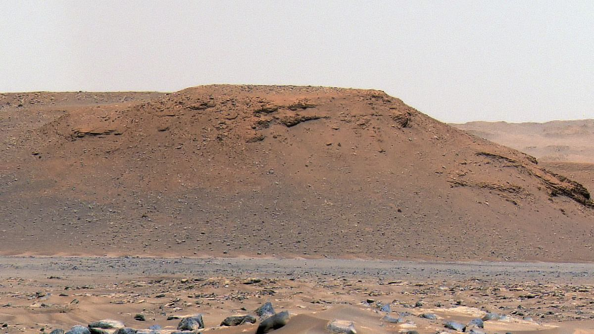 Images From NASA Rover Show Existence of Lake and River Delta on Mars