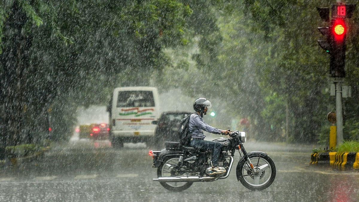 Heavy Rains, Thunderstorm Hit Delhi-NCR, Waterlogging in Several Parts