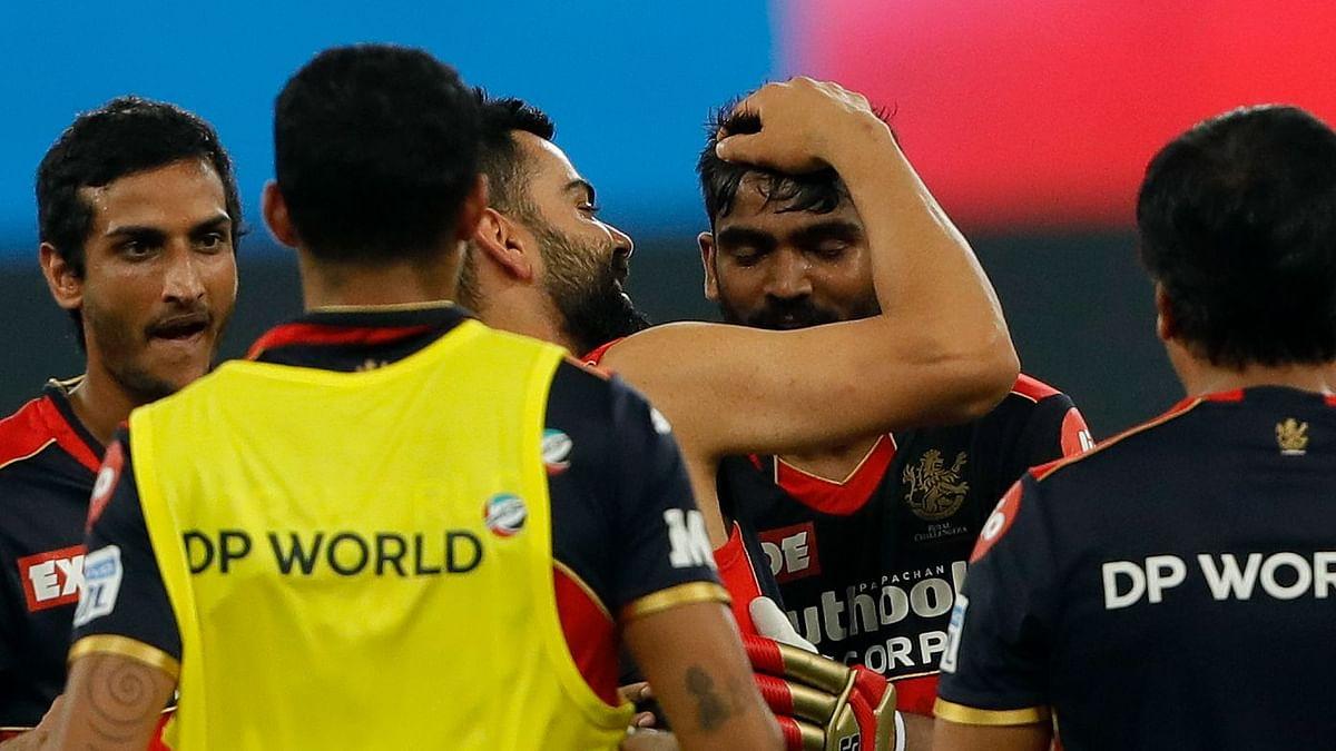 "<div class=""paragraphs""><p>KS Bharat smashed a six off the last ball to beat Delhi Capitals.</p></div>"