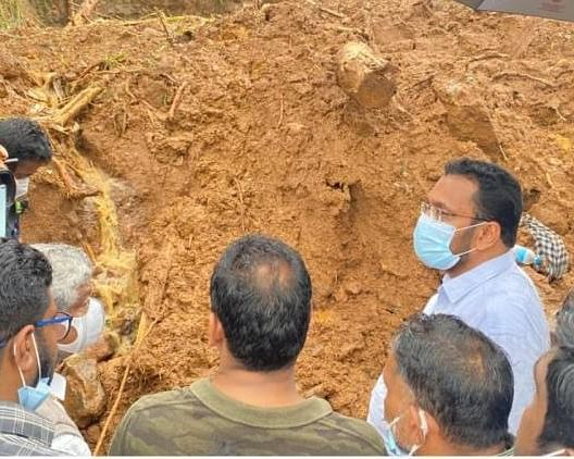 "<div class=""paragraphs""><p>The teams dug through the debris amid rains, they found the bodies of three children</p></div>"