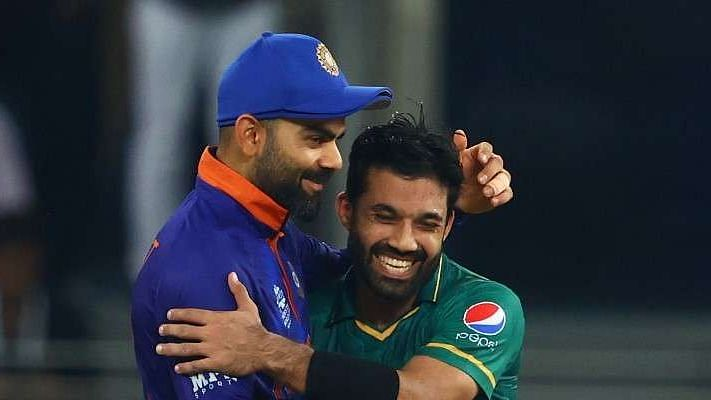 "<div class=""paragraphs""><p>Mohammad Rizwan and Virat Kohli after the match on Sunday.</p></div>"