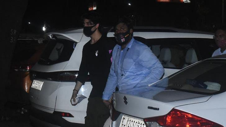"""<div class=""""paragraphs""""><p>The bail pleas of Aryan Khan and the others accused in the cruise ship case will be heard on Friday, 8 October.</p></div>"""