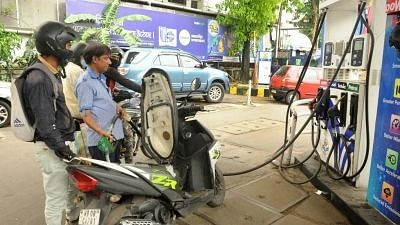 Petrol and Diesel Prices Unchanged on Monday After 4 Consecutive Days of Hike
