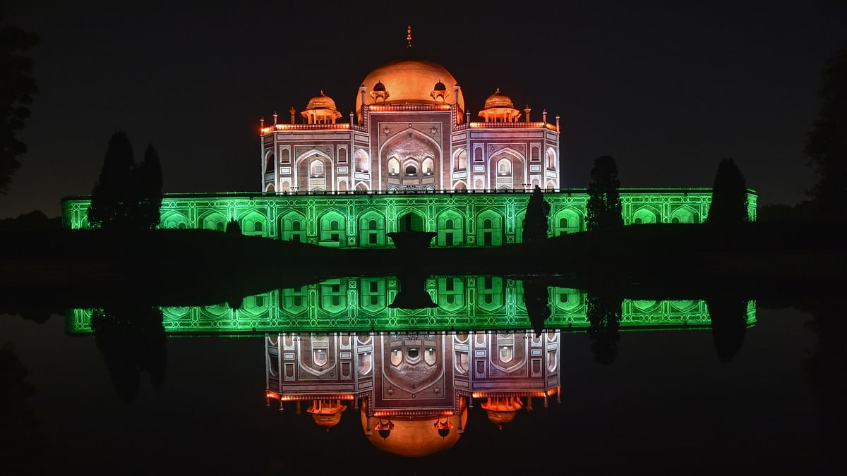 "<div class=""paragraphs""><p>New Delhi: Humayun's Tomb illuminated in tricolour on the occasion of the 100 crore vaccination milestone, in New Delhi, Thursday, 21 October.</p></div>"