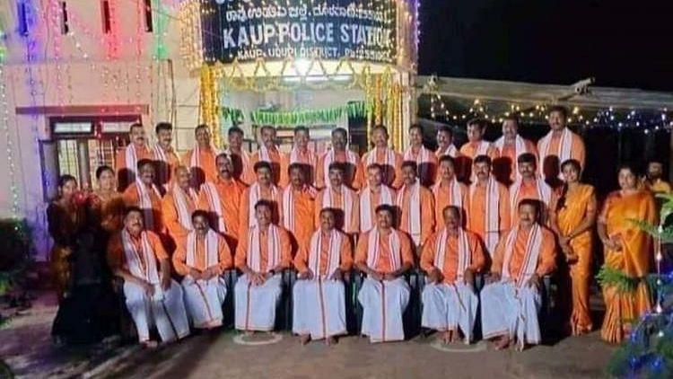 Karnataka: Police Dress Up in Saffron for Dasara, Siddaramaiah Hits Out at Govt
