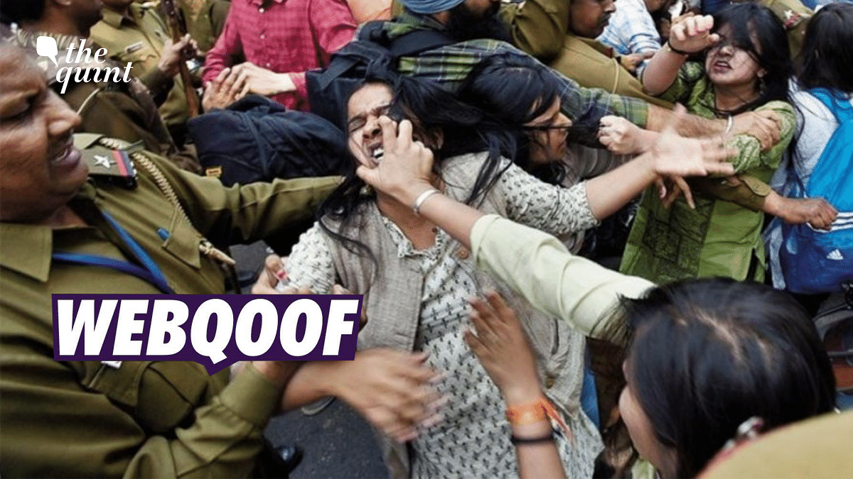 2017 Pic of Clash Between ABVP and DU Students Wrongly Shared as Kashmir