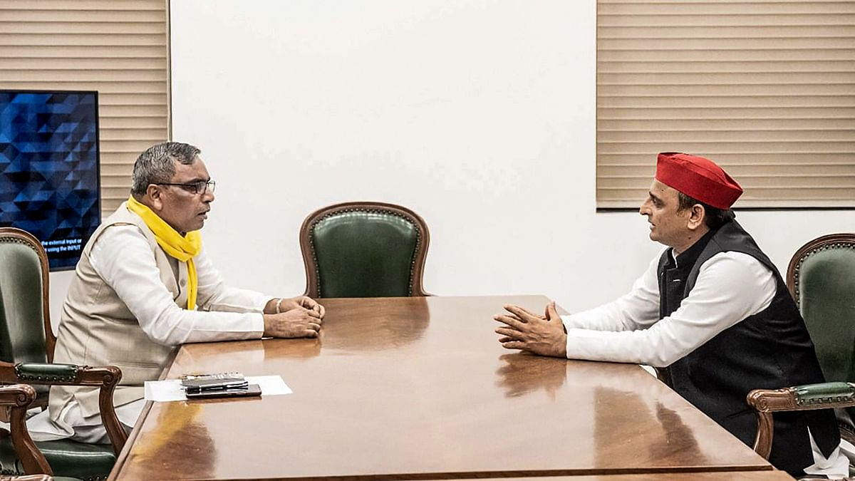 Rajbhar Meets Akhilesh Yadav, Says Will Go With SP