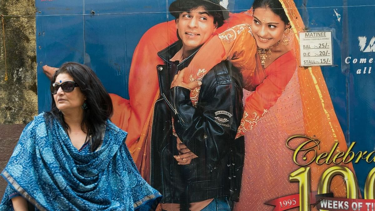 "<div class=""paragraphs""><p>Sarika in a still from&nbsp;<em>Maratha Mandir Cinema.</em></p></div>"