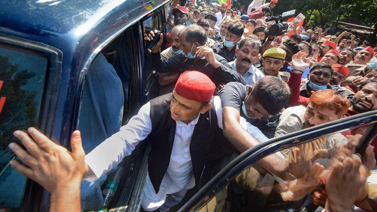 "<div class=""paragraphs""><p>The UP police has detained Samajwadi Party chief Akhilesh Yadav.</p></div>"