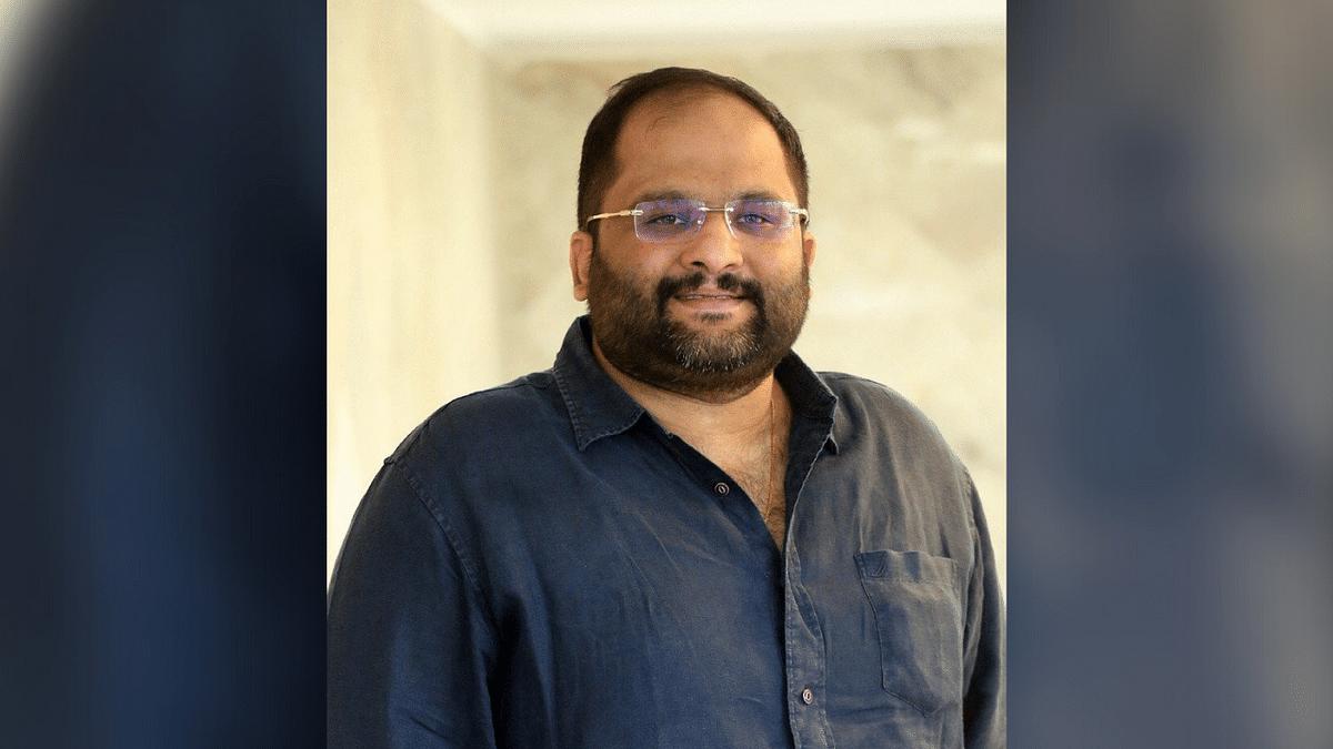 """<div class=""""paragraphs""""><p>Producer Mahesh Koneru passes away.</p></div>"""