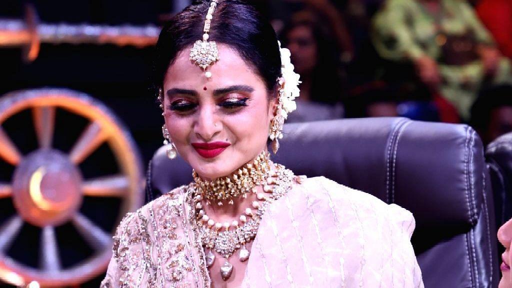 "<div class=""paragraphs""><p>Rekha had aspired to do her own TV show.</p></div>"