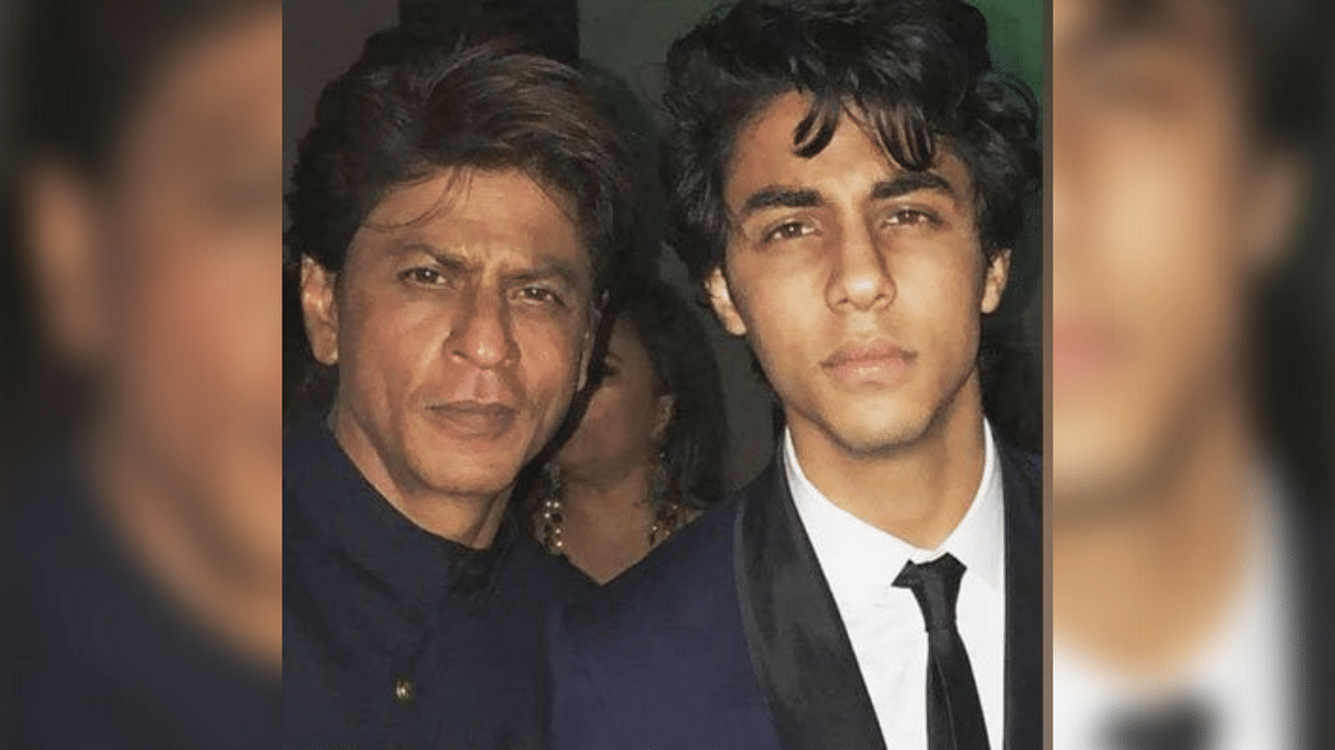 #IStandWithSRK Trends on Twitter as Fans Shower the Star With Support