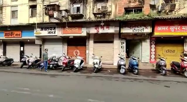 """<div class=""""paragraphs""""><p>Shops remain shut in Dadar, Parel, and Lalbaug areas.</p></div>"""