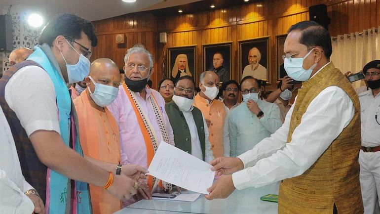 """<div class=""""paragraphs""""><p>SP MLA Nitin Agarwal files nomination on 17 October in presence of UP CM Yogi Adityanath.</p></div>"""