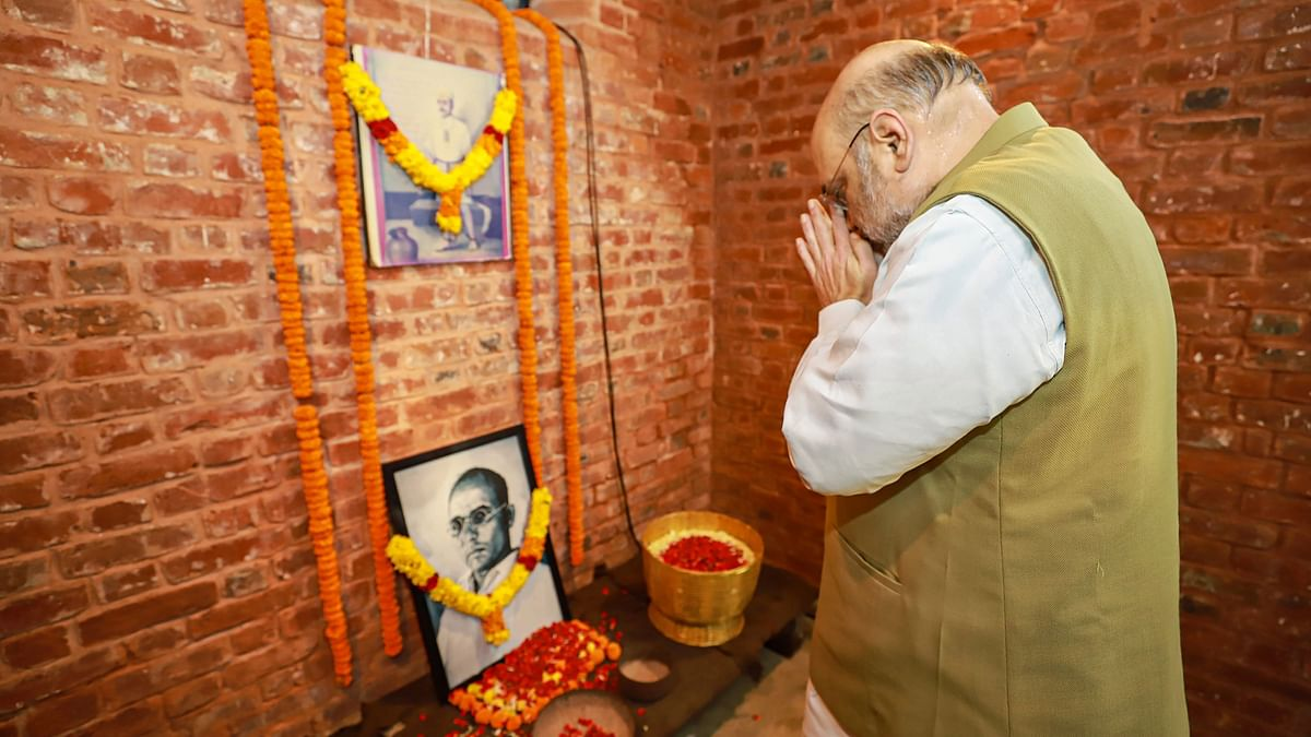 Amit Shah Pays Tribute to Savarkar During Andaman Visit, Slams Critics